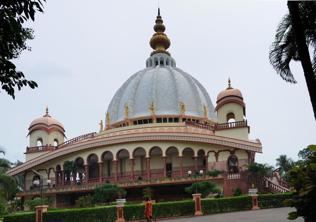 iskcon chandrodaya temple pilgrimaidecom